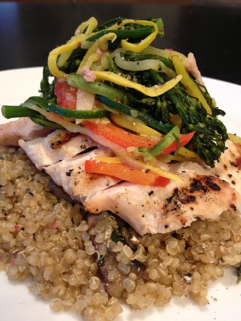 Receta pollo a la parrilla con risotto de quinoa y for Cocinar quinoa con pollo
