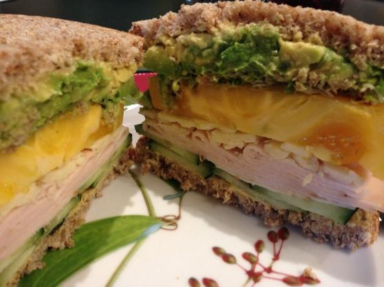 sandwich de pavo y vegetales